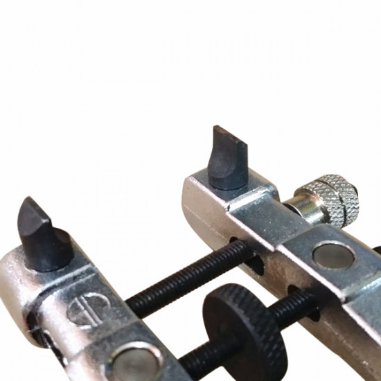2005 V-Shape Watch Case Opener Repair Tools 2021