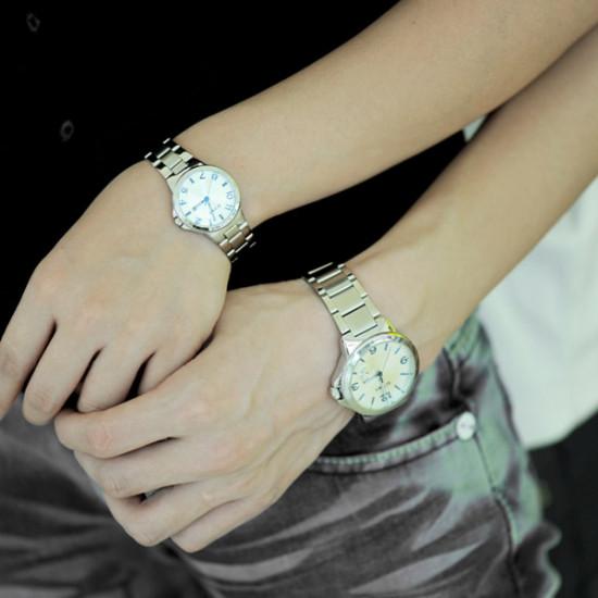 EYKI Stainless Steel Calendar Lovers Couple Wrist Watch Black Dial