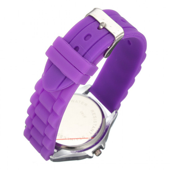 Stylish Ladies Skull Pattern Water Resistant Silicone Strap Watch 2021