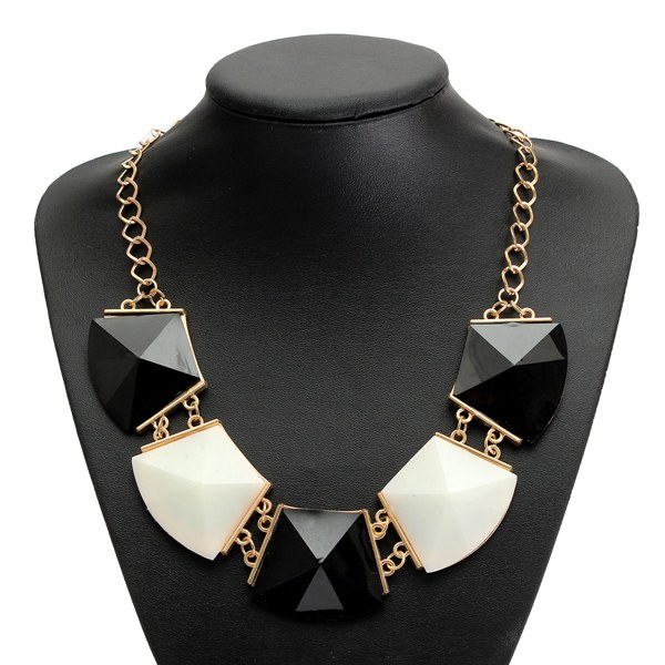 Black White Geometric Acrylic Pendant Statement Necklace Women Jewelry Women Jewelry