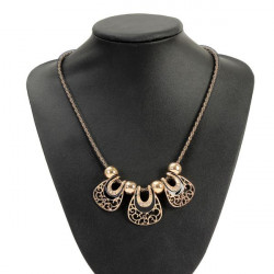 Bohemia Crystal Hollow Geometric Pendant Chain Choker Necklace