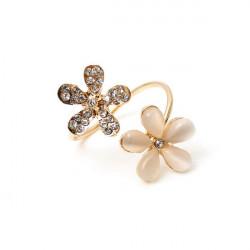 Cute Gold Rhinestone Opal Daisy Flower Finger Ring For Women