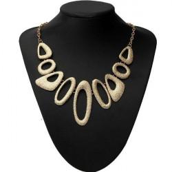 Guldpläterade Ihåliga Metall Geometriska Haklappar Statement Halsband för Kvinnor