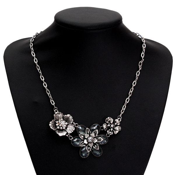 Vintage Silver Rhinestone Crystal Petal Flower Choker Necklace Women Jewelry