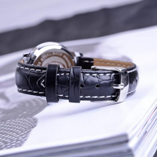 EYKI Stylish Black PU Band Lovers Couples Wrist Watch 2021