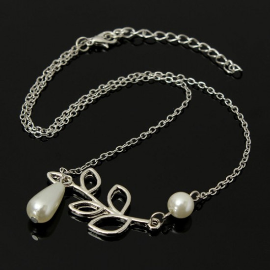 Vintage Silver Hollow Tree Leaf Pearl Pendant Chain Necklace For Women 2021